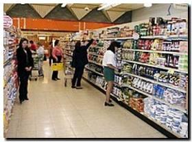 Supermercados y almacenes reducen sus horarios