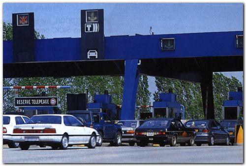 RECHAZO al nuevo aumento de hasta el 43 % en las tarifas de peaje de las autopistas urbanas