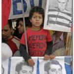 JUICIO A REPRESORES: Condenados a perpetuidad dos represores de la dictadura argentina. Bussi y Menéndez, declarados culpables de genocidio. Repercusiones en España.