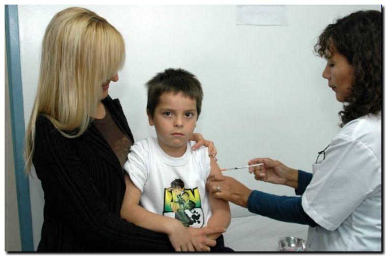 SALUD: Prorrogan hasta fin de mes la campaña contra el sarampión, la rubéola y la polio