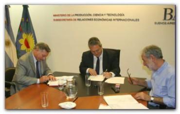 PORTUARIAS: La Provincia suscribió importantes acuerdos para el Puerto de Dock Sud