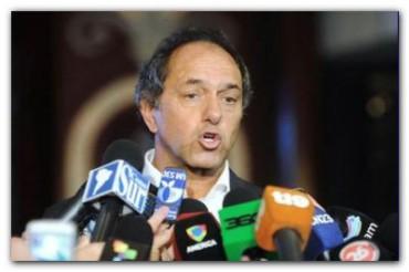 VILLA GESELL: Scioli llegó al hospital donde se encuentran internados los 22 heridos