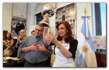 "POLÍTICA: Cristina Fernández advirtió que ""cada vez que voló un gobierno, voló Argentina por los aires"""