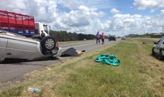 RUTAS: Dos muertos tras vuelco en Ruta 9