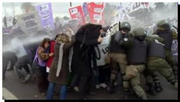 """VIOLENCIA INSTITUCIONAL: """"Preocupante desplazamiento en la política de no represión de la protesta social"""""""