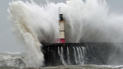 140822204830_climate_change_sea_waves_624x351_afp