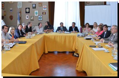 EDUCACIÓN: Recibieron en diputados a representantes del Frente Gremial Docente
