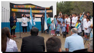 EDUCACIÓN: Inició el ciclo lectivo 2015 con el acto oficial en Ramón Santamarina