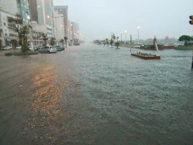 NECOCHEA: Hay clases a la tarde, aunque persiste alerta por fuertes lluvias