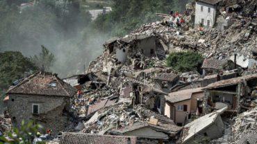 Al menos 120 muertos y 368 heridos tras el terremoto de Italia