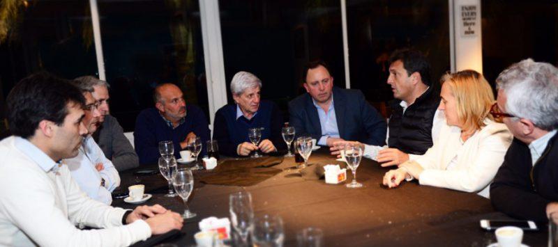 Massa reunió a intendentes del Frente Renovador por el Presupuesto 2017. Estuvo Facundo López