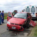 Un automovilista herido al rozarse con un camión en la ruta 55