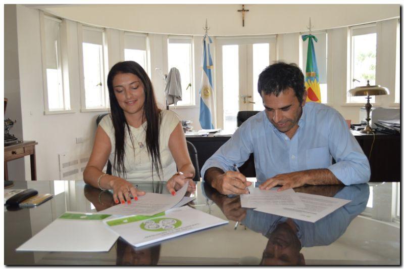 INDOCUMENTADOS: Registro Provincial de las Personas firmo un convenio de trabajo