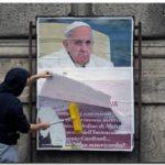 EL MUNDO: Campaña ultraconservadora contra el Papa en las calles de Roma