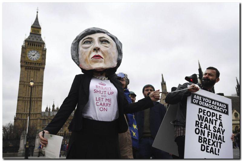 EL MUNDO: Merkel marca una línea dura ante el adiós británico a la UE