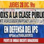 """GREMIALES: Los docentes realizan una """"clase pública"""" como protesta"""