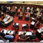 LEGISLATURA: Aprobación de leyes en sesión especial