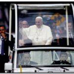 EL MUNDO: Francisco feliz por las calles chilenas