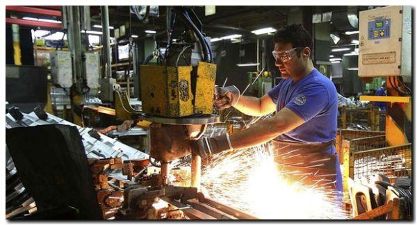 ECONOMÍA: Pymes advierten que van a despedir empleados para pagar la electricidad