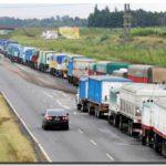 CONFLICTOS: Paro de transportistas en Argentina impide carga de buques graneleros