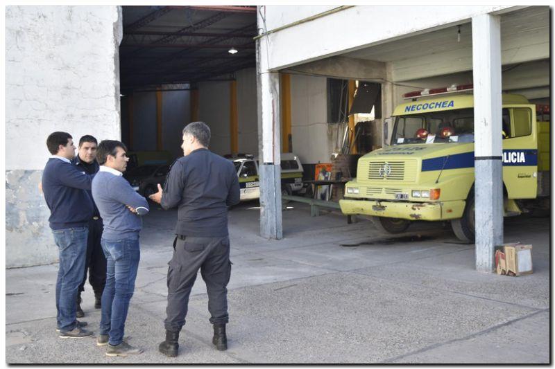 NECOCHEA: López, en el cuartel de Bomberos, se interiorizó del funcionamiento