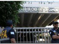 """POLÍTICA: La CGT calificó los allanamientos a las sedes de Camioneros como """"actos represivos"""""""
