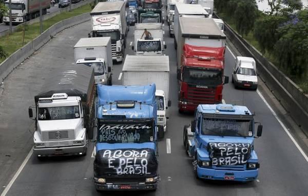 BRASIL: El Gobierno anuncia liberación de rutas