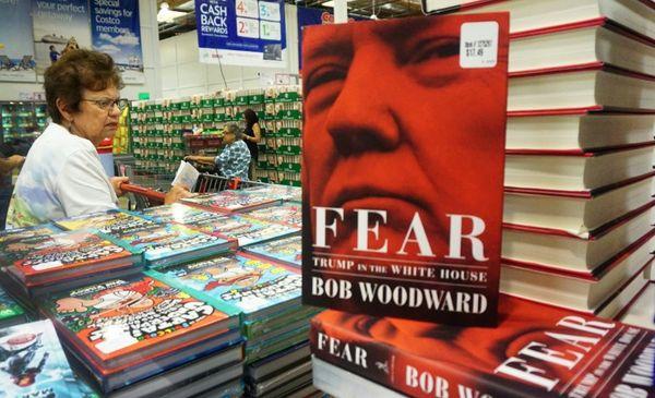 Libro de Woodward sobre Trump vende 1,1 millones de copias en una semana