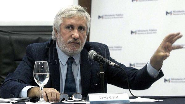Denuncian penalmente al procurador Julio Conte Grand por espionaje ilegal