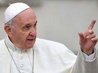 El papa pide a los sacerdotes que «salgan y vayan a visitar a los enfermos»