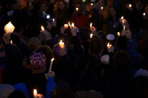 EL MUNDO: Once muertos en sinagoga en el peor ataque antisemita en Estados Unidos
