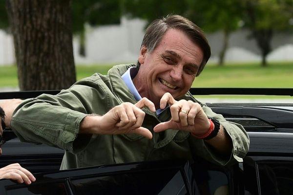 EL MUNDO: Bolsonaro modera discurso en Brasil