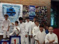 DEPORTES: Excelente actuación de karatecas locales