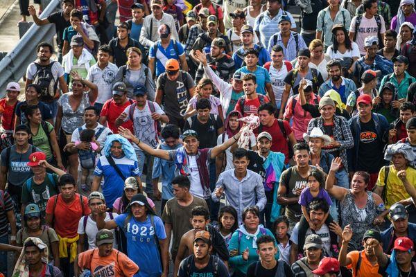 EL MUNDO: Migrantes hondureños recobran fuerzas