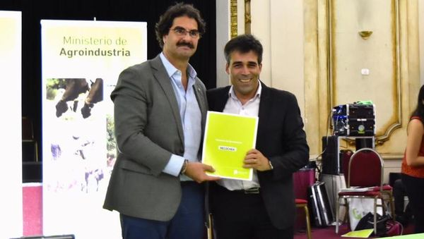 NECOCHEA: López firmó un convenio de adhesión al DUT