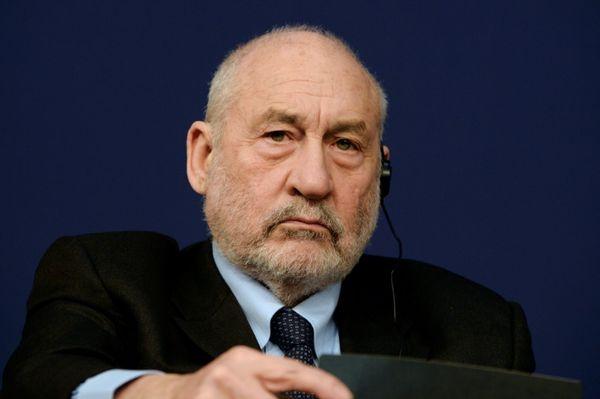 EL MUNDO: Premios Nobel reclaman un «pacto internacional sobre información y democracia»