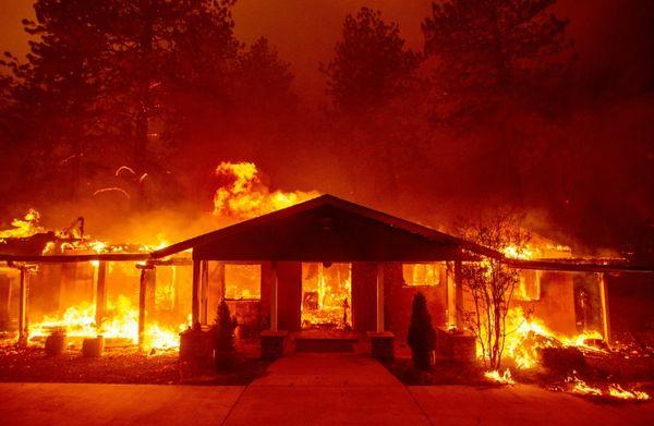 EL MUNDO: Sube a nueve el saldo de muertes en incendio en California
