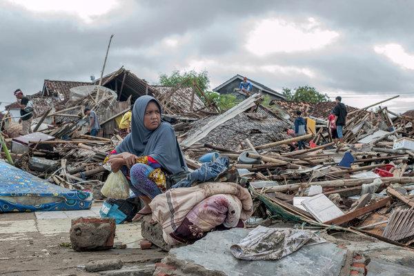 EL MUNDO: Los muertos por el tsunami en Indonesia ascienden a más de 280