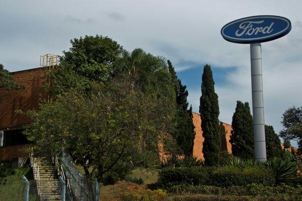 BRASIL: Ford cerrará fábrica