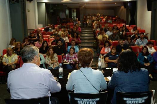 EDUCACIÓN: SUTEBA condiciona la firma del acuerdo