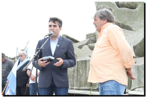 MALVINAS: López entregó las llaves de la sede para los excombatientes