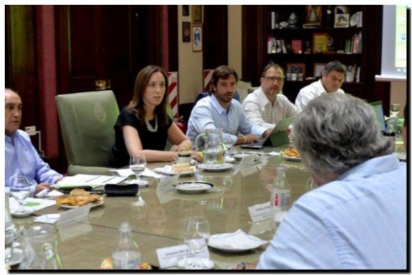 PROVINCIA: Reunión del gabinete de María Eugenia Vidal