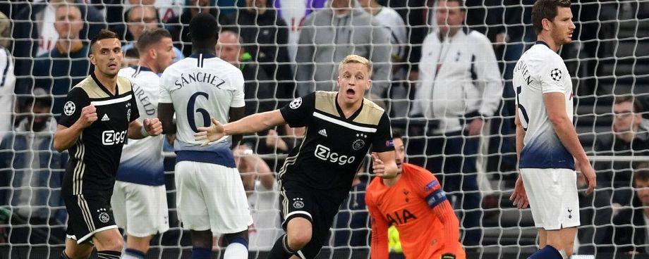 FÚTBOL: Ajax pone un pie en la Final de la Champions