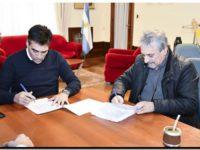 NECOCHEA: Firmaron el contrato para comenzar el reasfaltado de la Av. 59 y calles céntricas