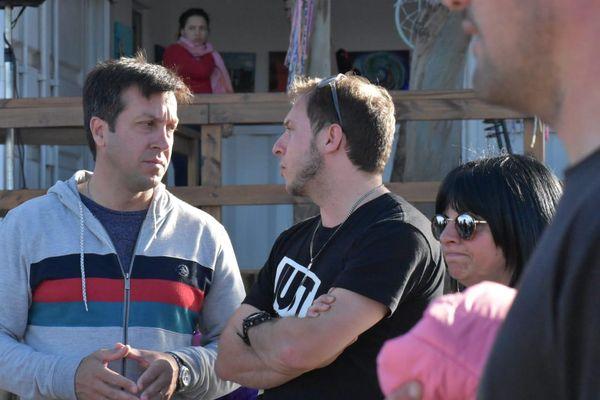 Arturo Rojas dialogó con vecinos en la Plaza 3 de Agosto y el Parque Miguel Lillo