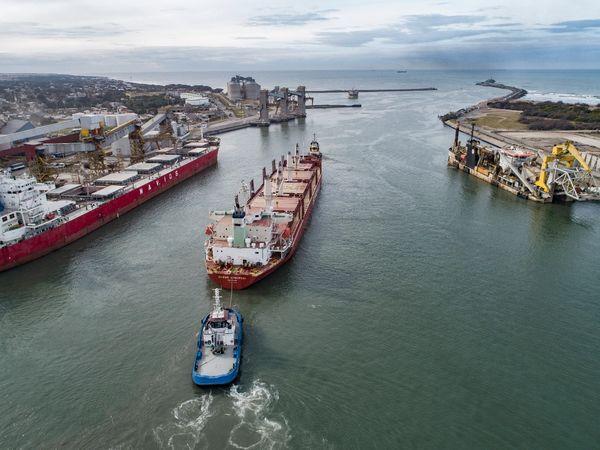 Puerto Quequén vive un año repleto de logros operativos