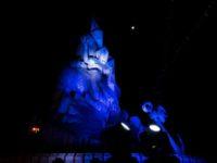 Puerto Quequén ilumina el Monumento a la Gesta de Malvinas