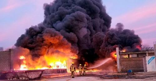 Preocupación de la Defensoría por el incendio de la fábrica de agroquímicos en Mercedes