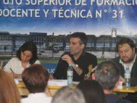 Patético accionar de José Luis Vidal en el debate de candidatos a intendente