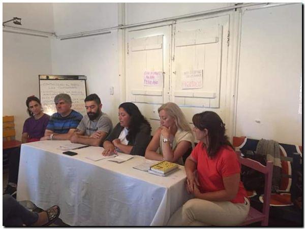 Conferencia por los despidos en la Escuela de Arte